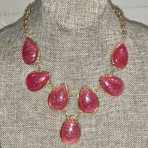 Jewelry - Set of necklace and earrings NWT sparkle gold